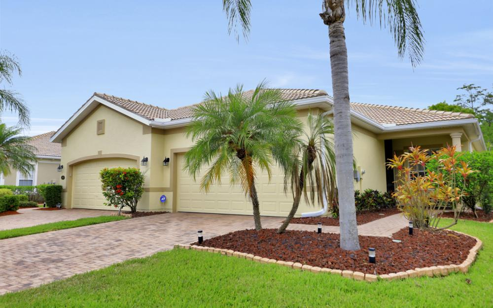 21072 Cosenza Ct, Estero - Home For Sale 288303557