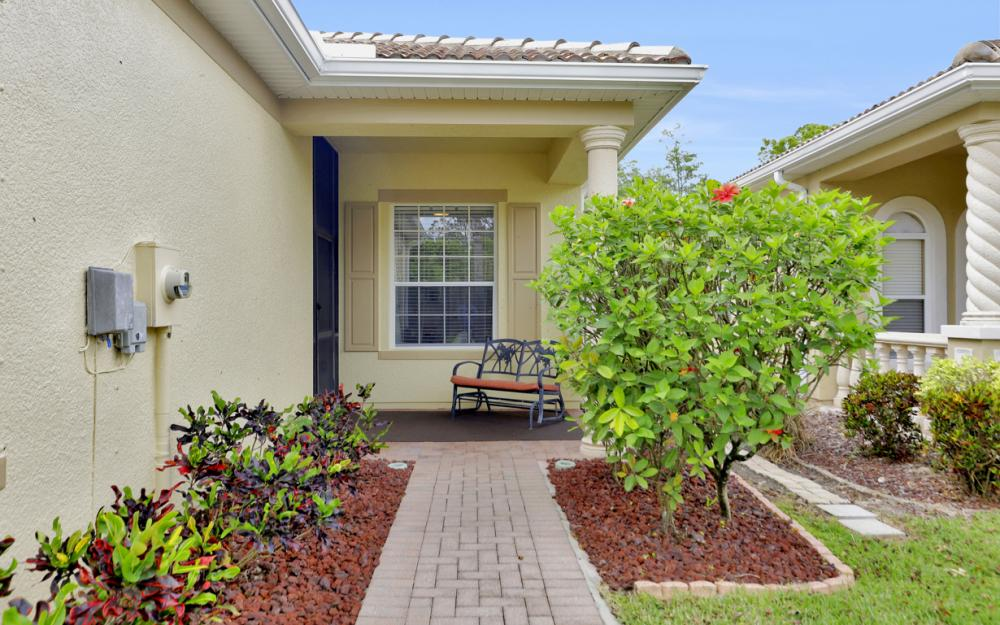 21072 Cosenza Ct, Estero - Home For Sale 1875384448