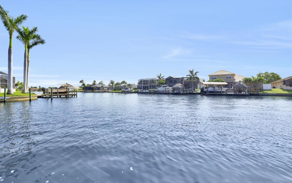 2063 SE 28th St, Cape Coral - Home For Sale 1065574598