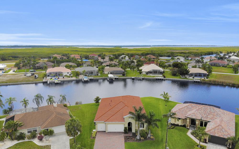 2735 SW 30th Ter, Cape Coral - Home For Sale 1994986634