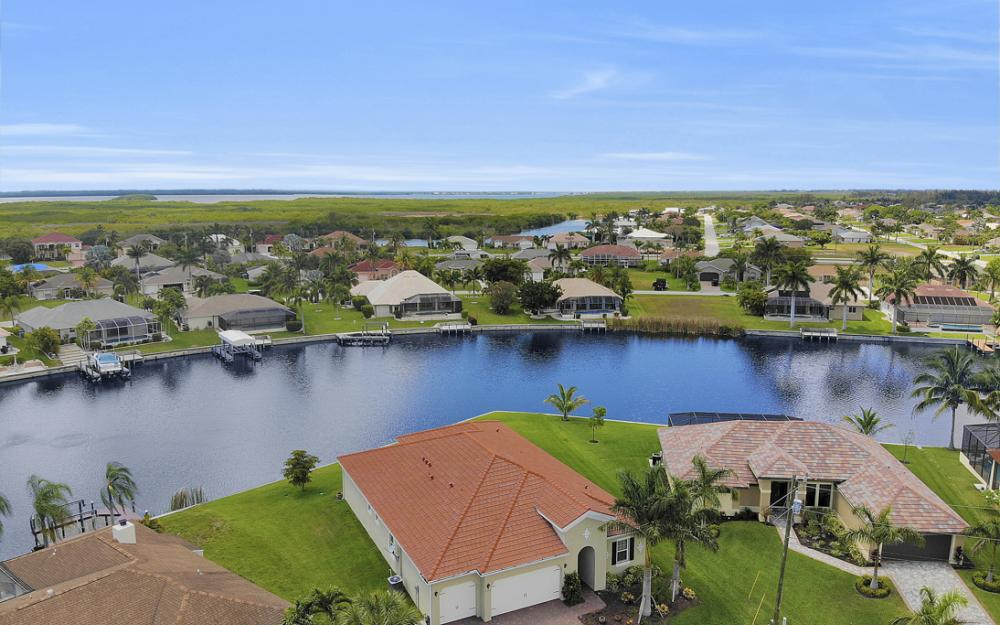 2735 SW 30th Ter, Cape Coral - Home For Sale 901916314