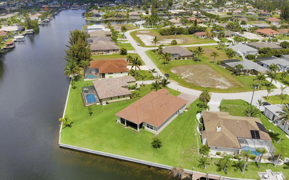 2735 SW 30th Ter, Cape Coral - Home For Sale 806299621