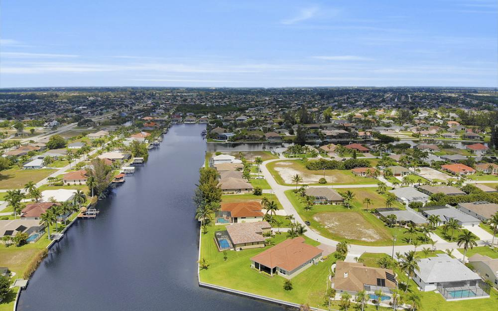 2735 SW 30th Ter, Cape Coral - Home For Sale 1142561845