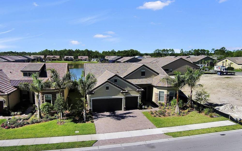 16324 Camden Lakes Circle, Naples - House For Sale 427282442
