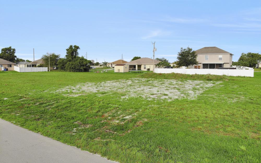 2808 NE 2nd Pl, Cape Coral - Lot For Sale 2036244187