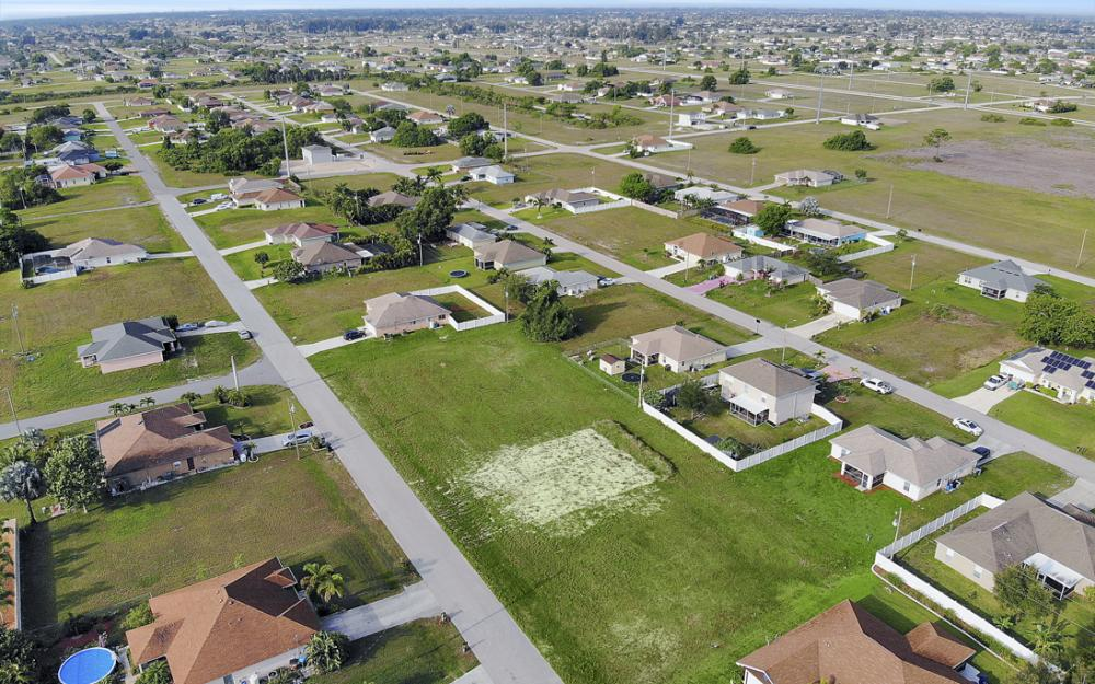 2808 NE 2nd Pl, Cape Coral - Lot For Sale 1818671996