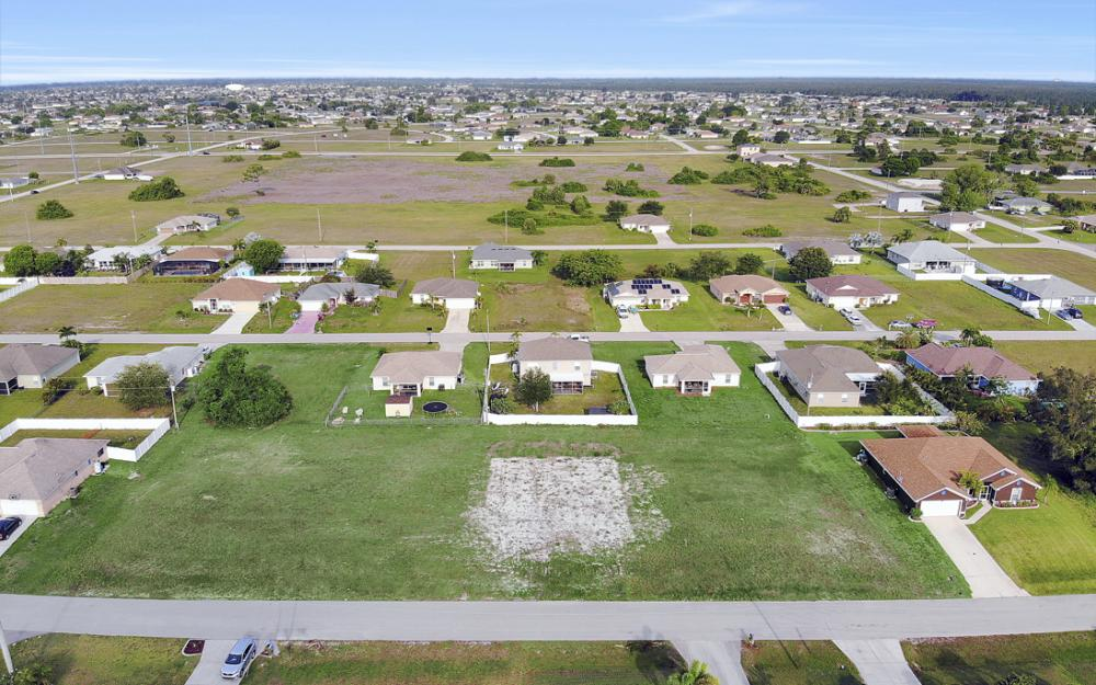 2808 NE 2nd Pl, Cape Coral - Lot For Sale 331936470