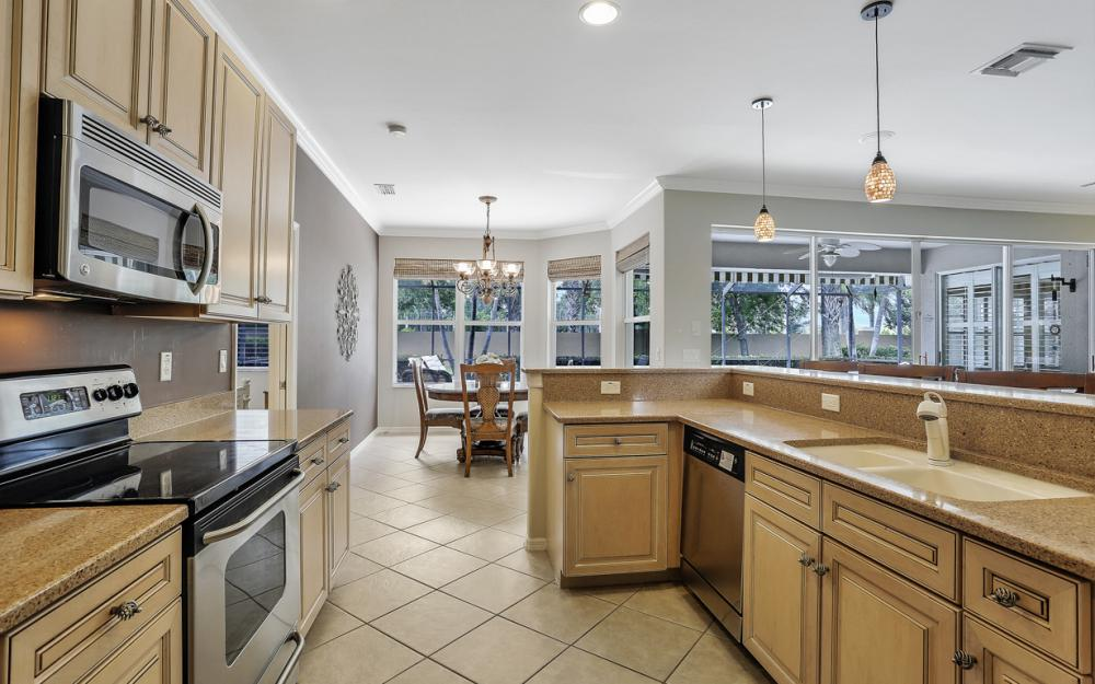 15007 Balmoral Loop Fort Myers - Home For Sale 1584632572