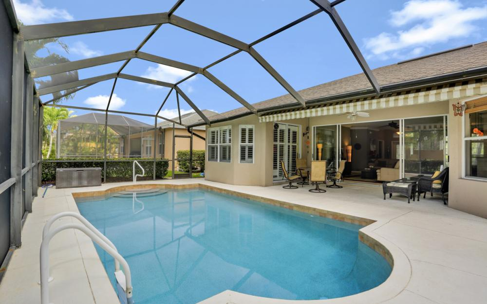 15007 Balmoral Loop Fort Myers - Home For Sale 86415939