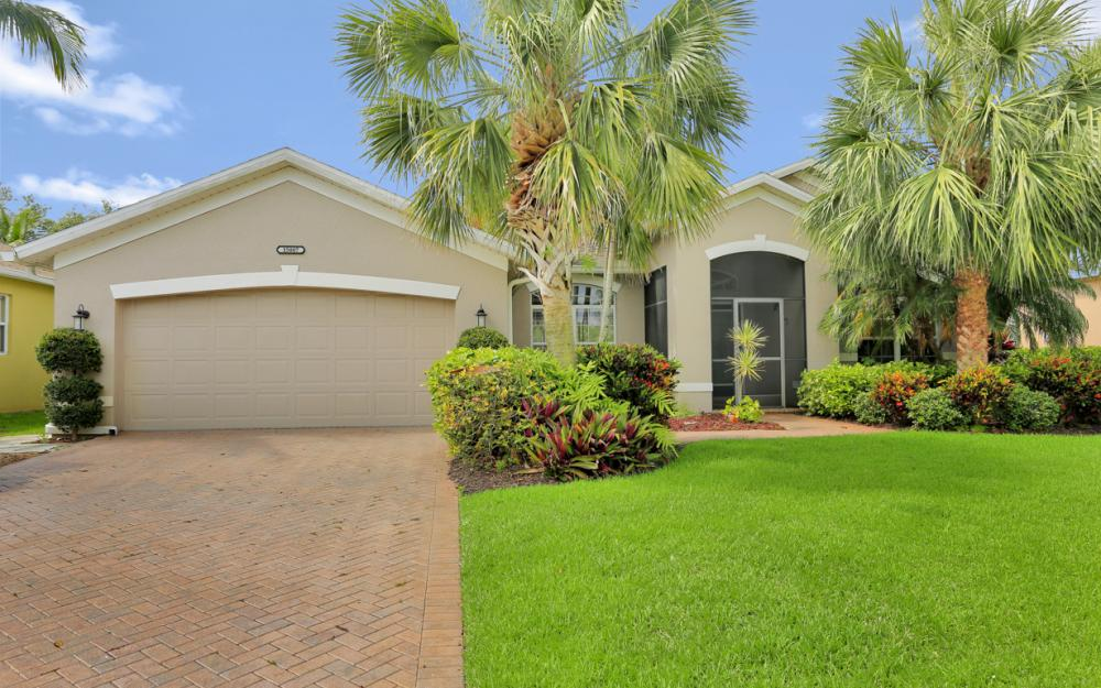 15007 Balmoral Loop Fort Myers - Home For Sale 997558644
