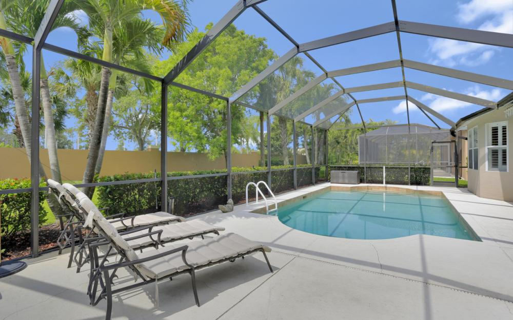 15007 Balmoral Loop Fort Myers - Home For Sale 2110359816