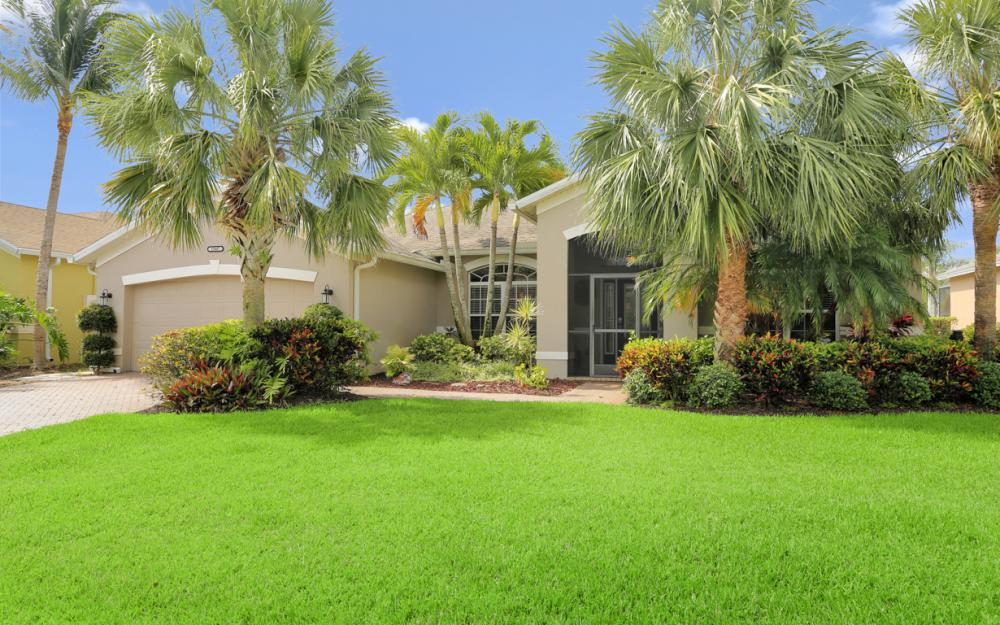 15007 Balmoral Loop Fort Myers - Home For Sale 1679323359