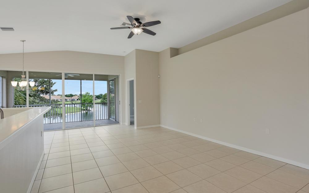 1921 Crestview Way #181 Naples - Condo For Sale 2037828964