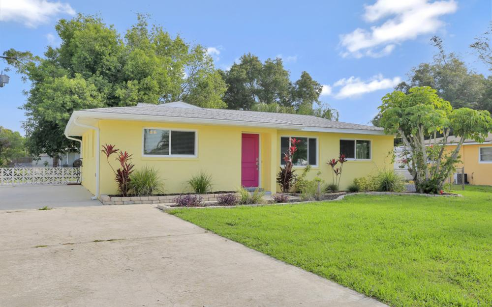1355 Sirocco St, Fort Myers - Home For Sale 879733214