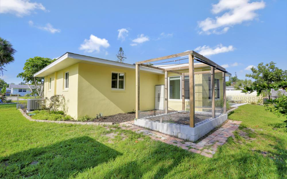 1355 Sirocco St, Fort Myers - Home For Sale 170129836