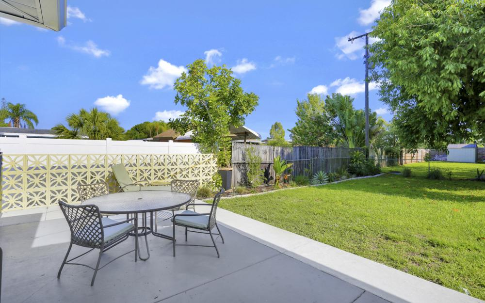 1355 Sirocco St, Fort Myers - Home For Sale 415303363