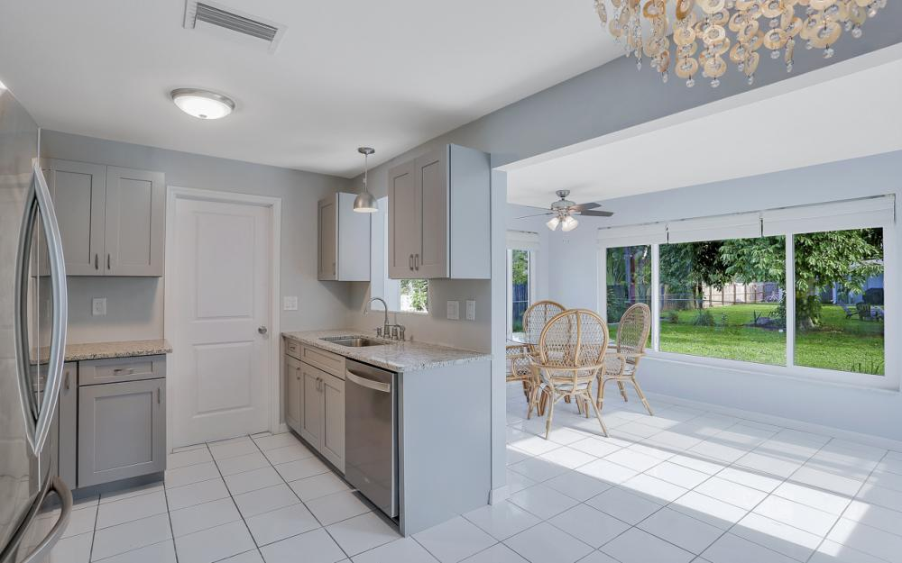 1355 Sirocco St, Fort Myers - Home For Sale 672861539