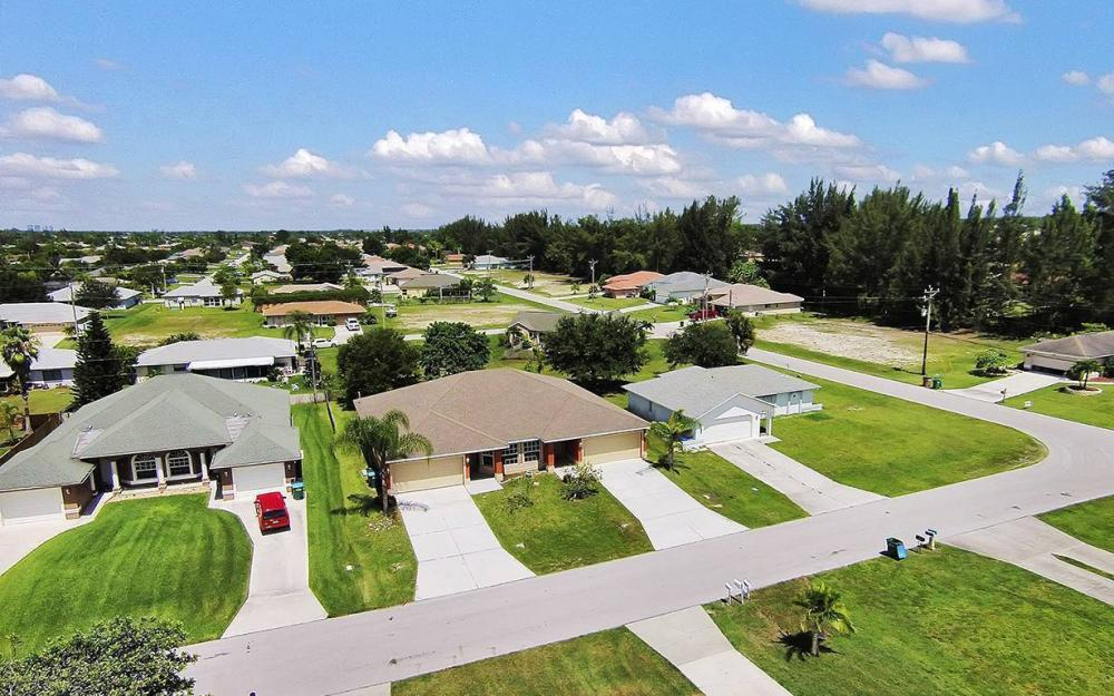 1507/1509 SE 5th Pl, Cape Coral - Duplex For Sale 221294558