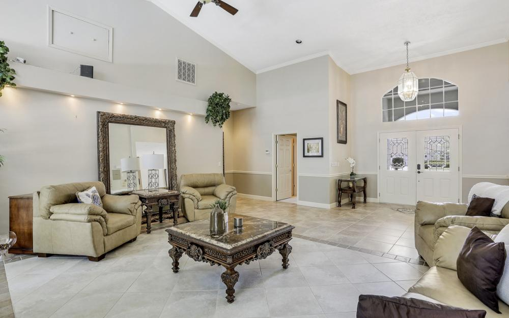 16 Catalpa Court, Fort Myers - Home For Sale 1220457144