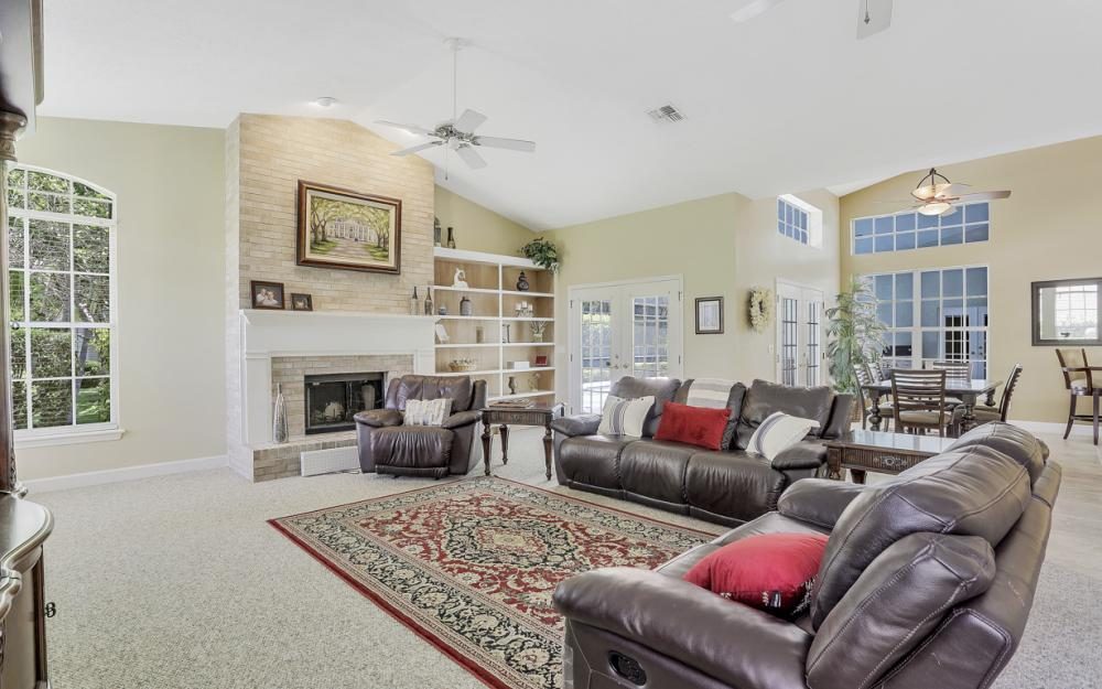 16 Catalpa Court, Fort Myers - Home For Sale 1328068991