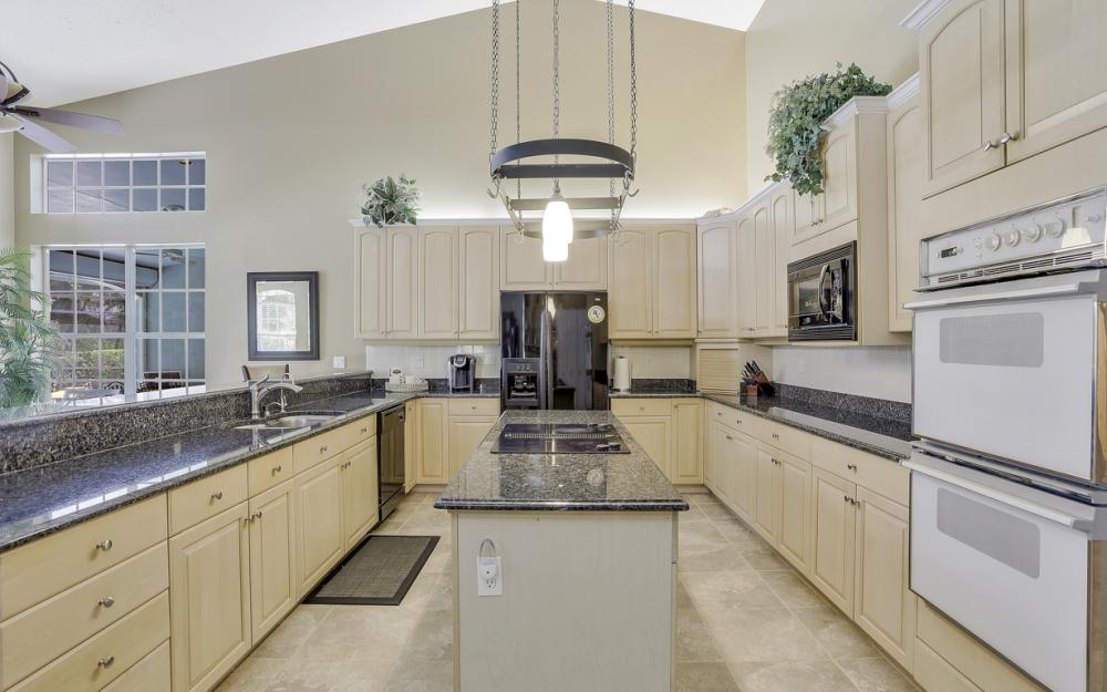 16 Catalpa Court, Fort Myers - Home For Sale 1263952052