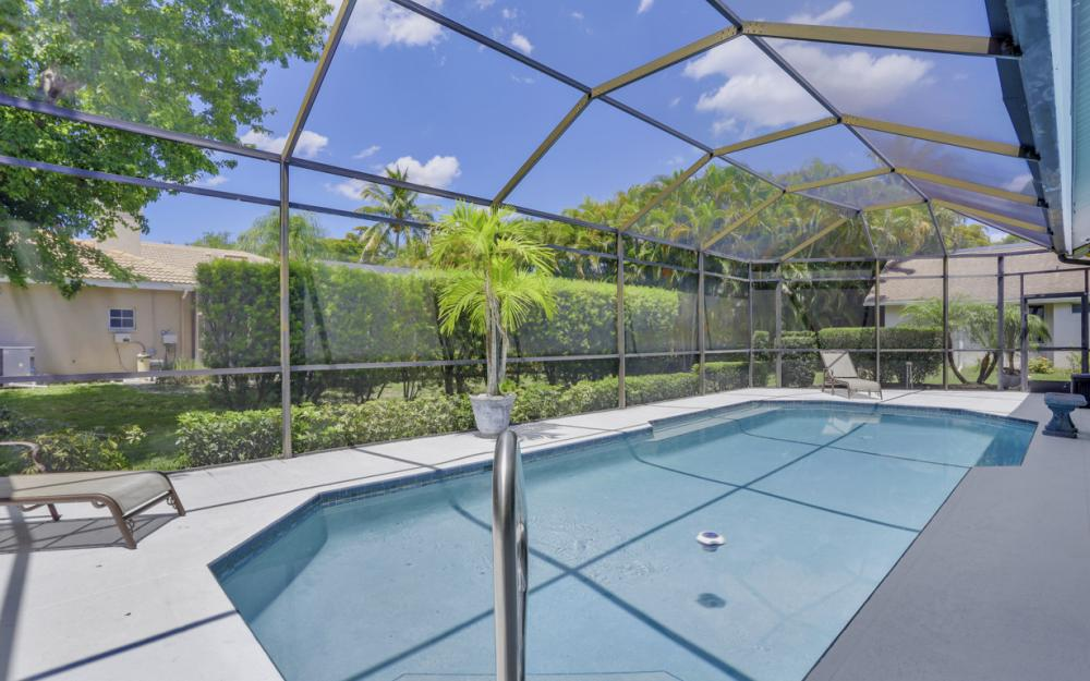 16 Catalpa Court, Fort Myers - Home For Sale 2114861455