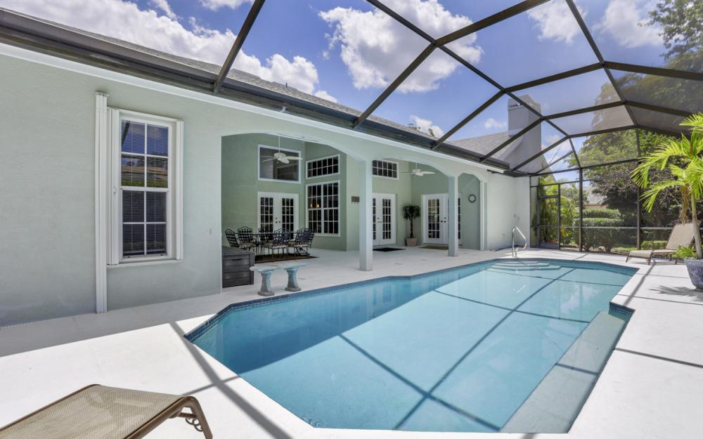 16 Catalpa Court, Fort Myers - Home For Sale 814482525