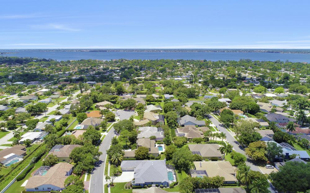 16 Catalpa Court, Fort Myers - Home For Sale 1151029085