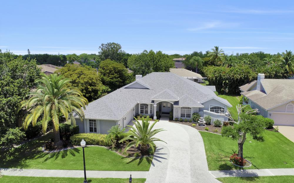 16 Catalpa Court, Fort Myers - Home For Sale 134441350