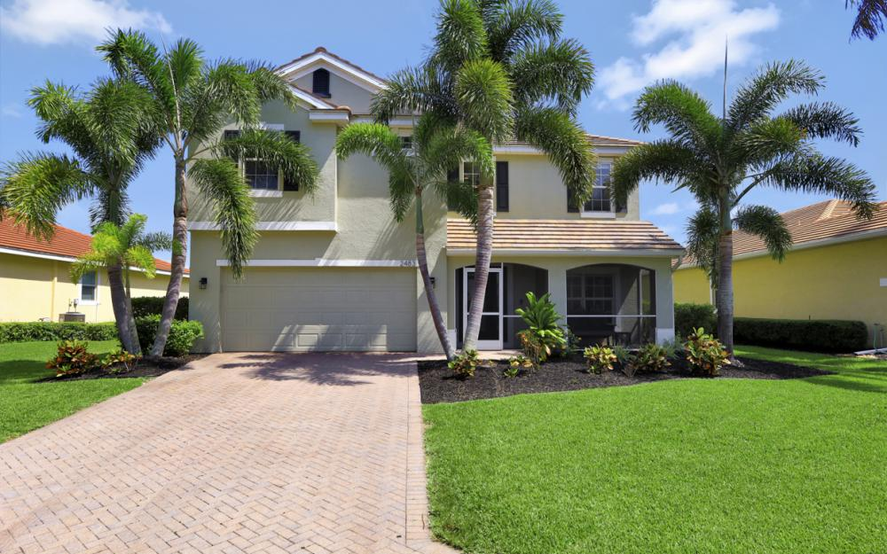 2483 Blackburn Cir, Cape Coral - Home For Sale 569235804