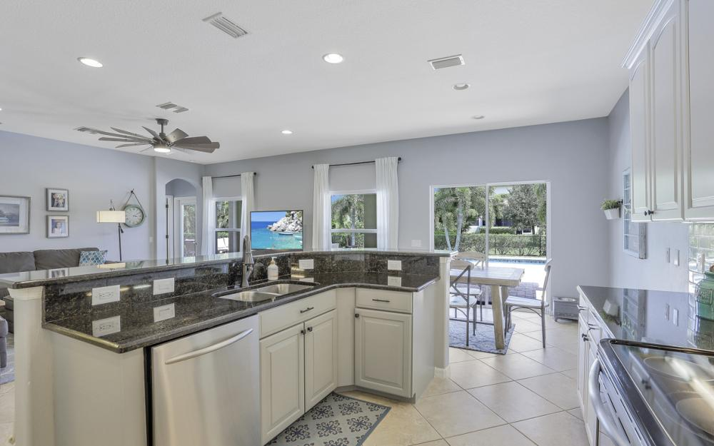 2483 Blackburn Cir, Cape Coral - Home For Sale 912697623