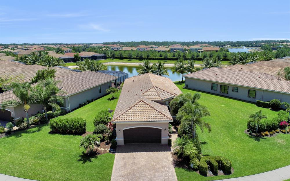 3358 Baltic Dr, Naples - Home For Sale 844994963