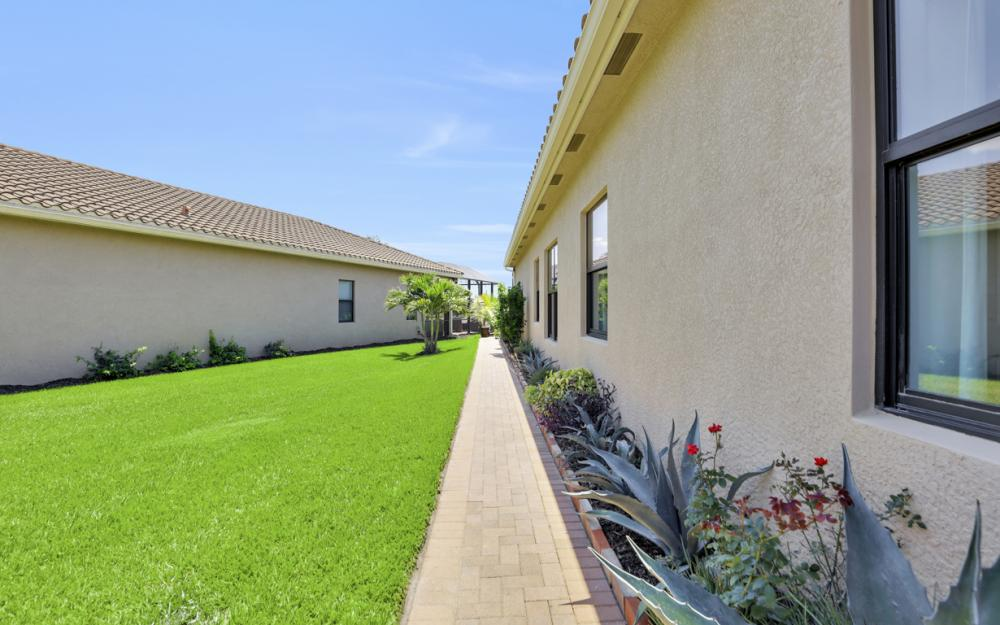 3358 Baltic Dr, Naples - Home For Sale 2125273343