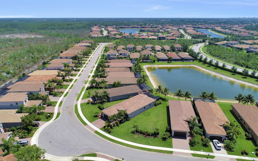3358 Baltic Dr, Naples - Home For Sale 318411839