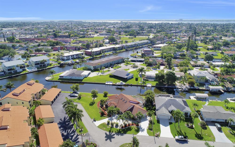 5125 Sunnybrook Ct, Cape Coral - Home For Sale 85322368