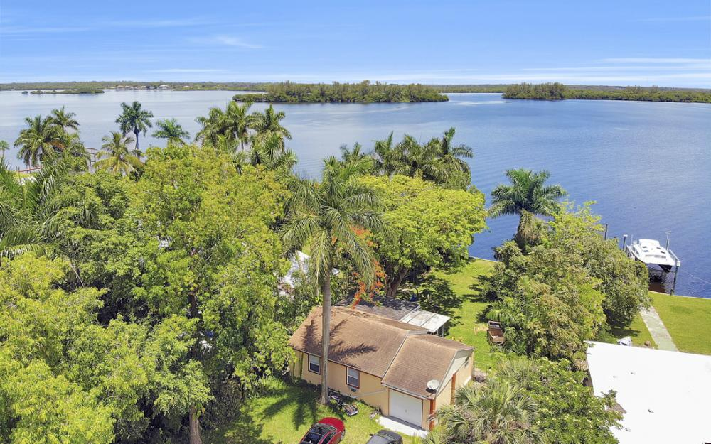 4515 E Riverside Dr, Fort Myers - Home For Sale 1378571132