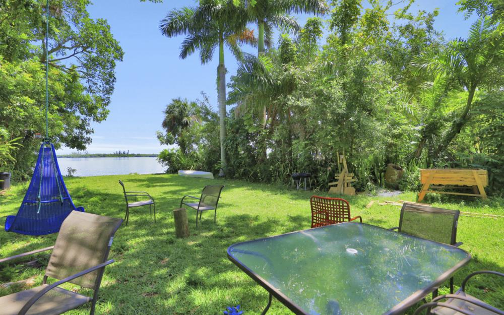 4515 E Riverside Dr, Fort Myers - Home For Sale 72511137