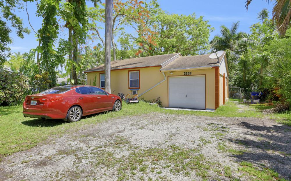 4515 E Riverside Dr, Fort Myers - Home For Sale 1252387316