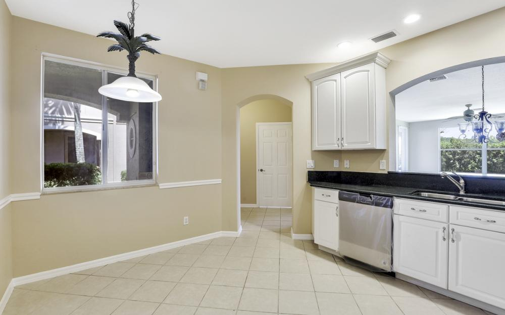 9717 Roundstone Cir, Fort Myers - Home For Sale 737261461