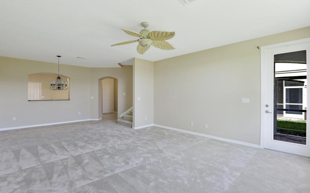 9717 Roundstone Cir, Fort Myers - Home For Sale 52167381