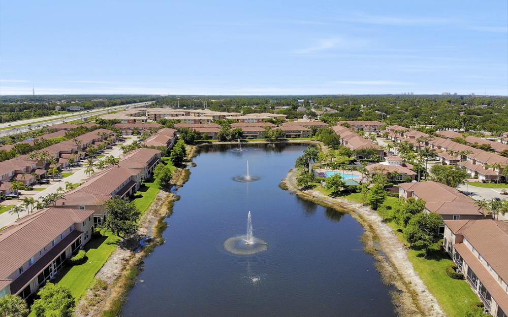 9717 Roundstone Cir, Fort Myers - Home For Sale 577034408