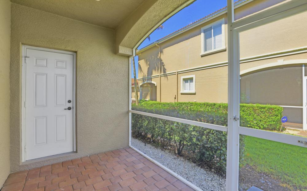 9717 Roundstone Cir, Fort Myers - Home For Sale 1926235506