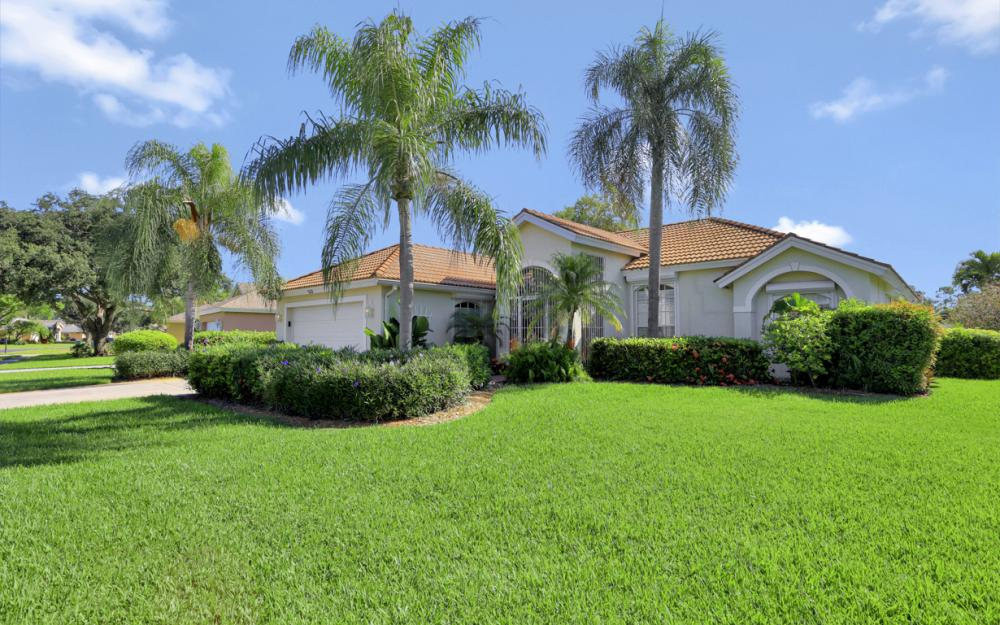 532 Briarwood Blvd, Naples - Home For Sale 1619009719