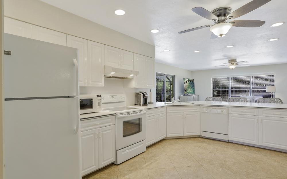 364 Colonial Dr, Marco Island - Vacation Rental  2105116970