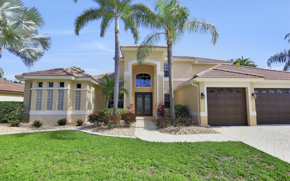 2002 El Dorado Pkwy W, Cape Coral - Home For Sale 880920439