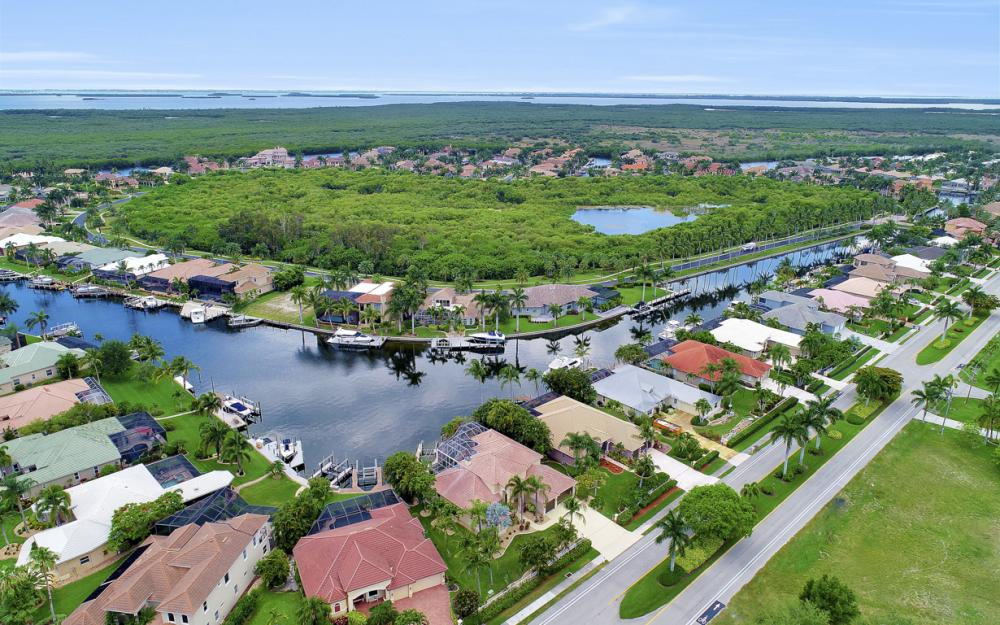 2002 El Dorado Pkwy W, Cape Coral - Home For Sale 1067394191