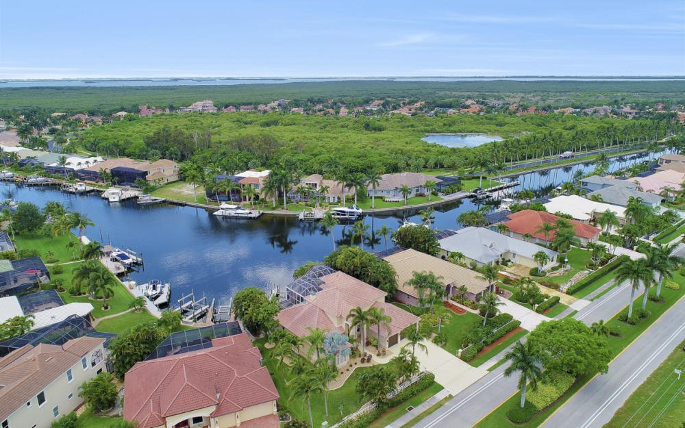 2002 El Dorado Pkwy W, Cape Coral - Home For Sale 17287455