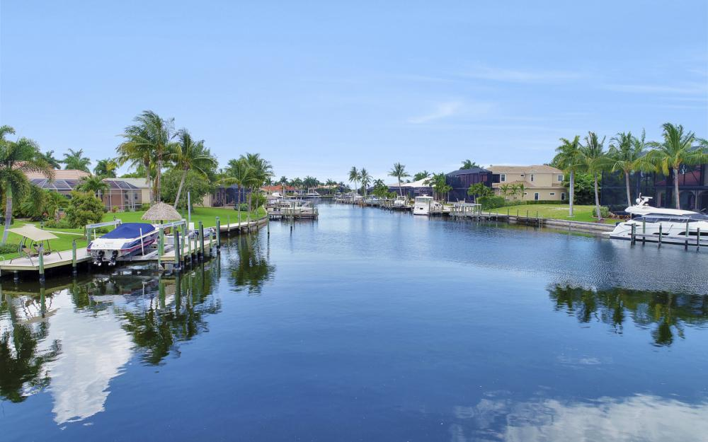 2002 El Dorado Pkwy W, Cape Coral - Home For Sale 941843047