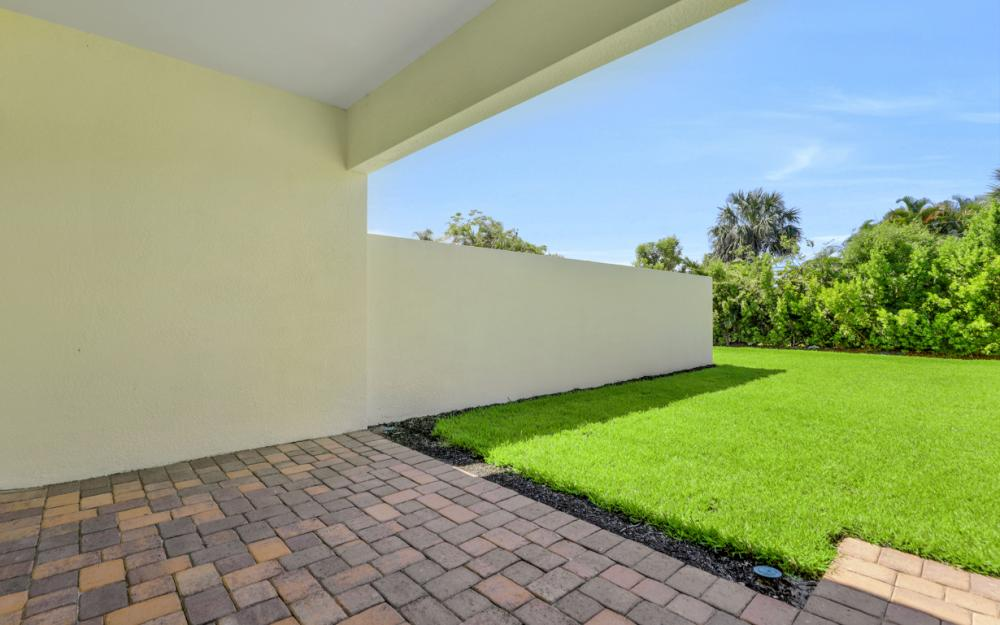 1120 South Town and River Drive, Fort Myers - Home For Sale 1765693511