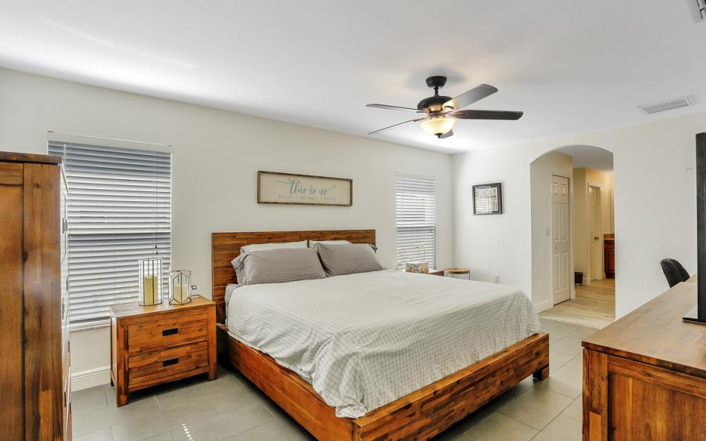 621 SW 11th St, Cape Coral - Home For Sale 2032407566